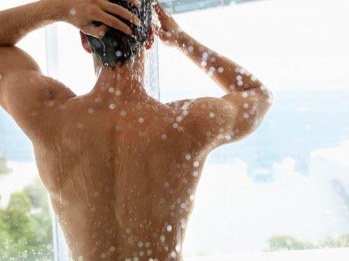 男人洗澡方式可看出他是否易出轨