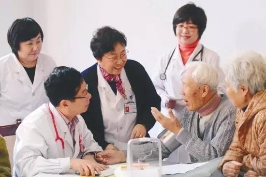 北京将制定高龄老人照护补贴制度