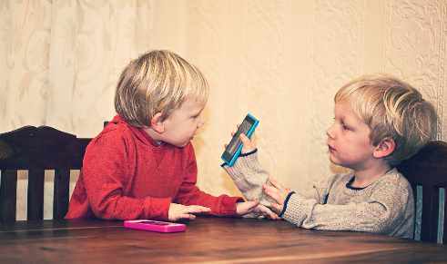 手机提供健康资讯的干预可改善婴儿安全睡眠措施的遵守度