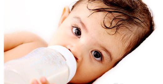 宝宝不喝牛奶是为何 几个小妙招让宝宝爱上牛奶