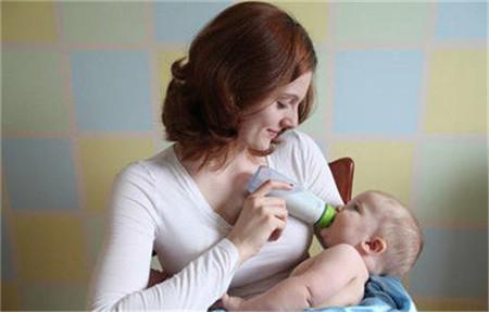 新生儿吃奶时间长是何原因 吃奶时间长怎么办